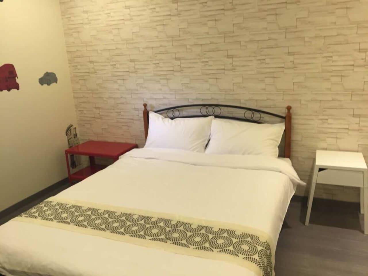 舒適 1.5米標準雙人床。