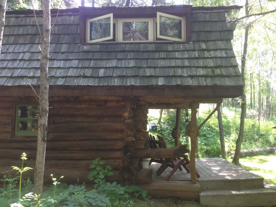 Private rustic log cabin and sauna on north shore for North shore cabin rentals