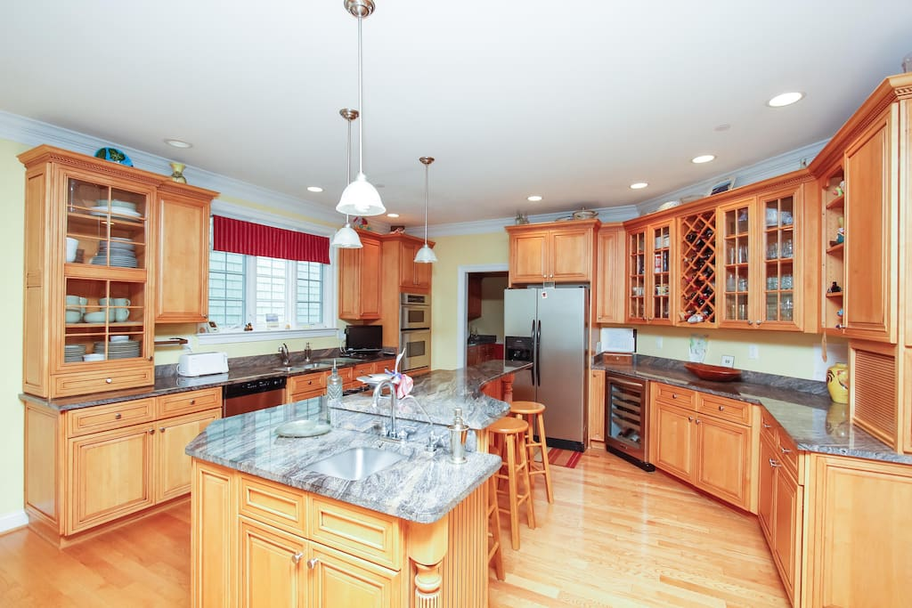 Granite counters, stainless appliances, ready to handle a group