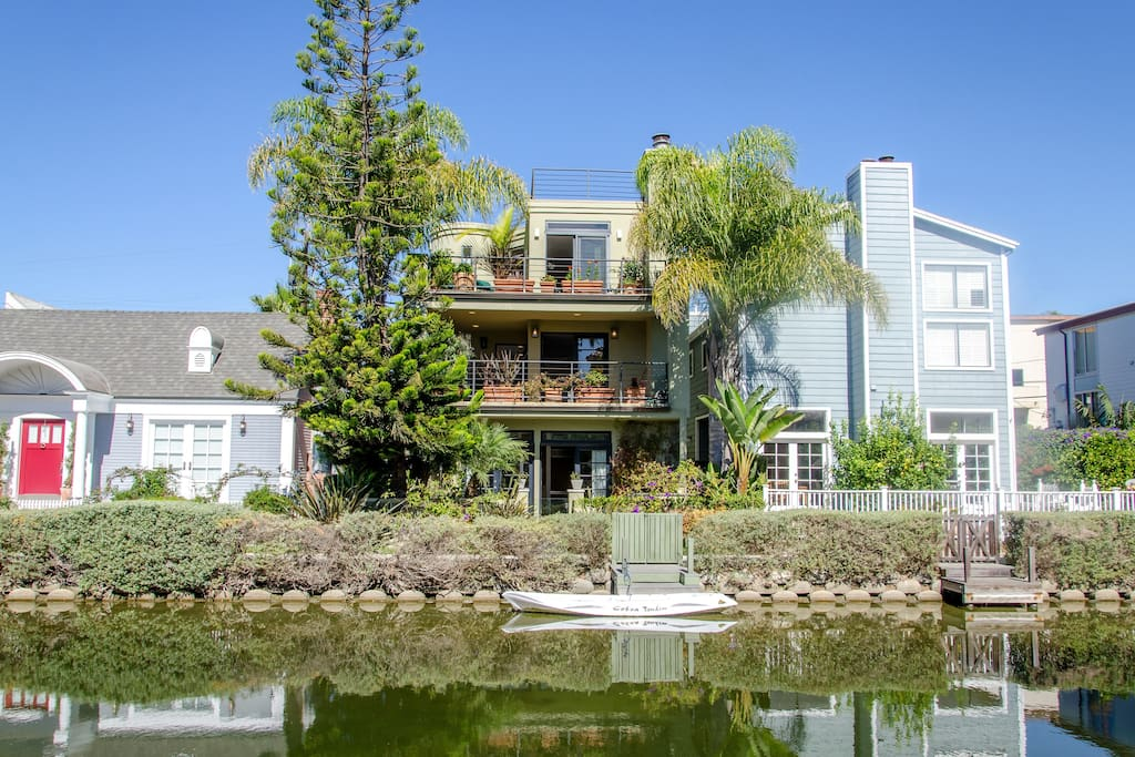 Venice canals luxury vacation retreat houses for rent in for Luxury houses for rent in los angeles