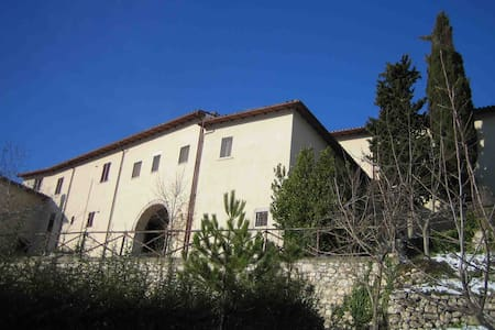 Wonderful historic country house - Cerreto di Spoleto - House