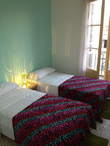 Center lit Room to enjoy Barcelona