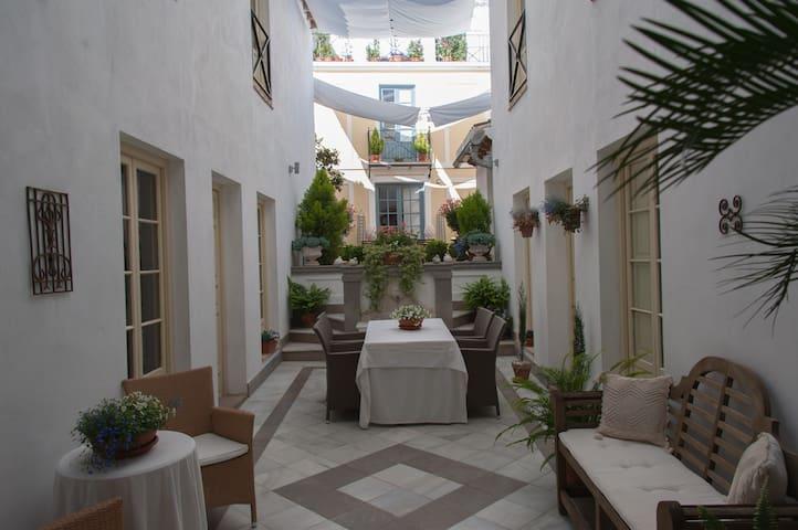 Gastenkamer In Oude  Patiowoning - Pizarra