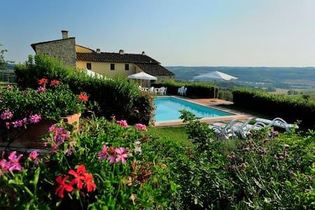 Chianti apartments with pool! - ヴァルディペーザサンカシャーノ