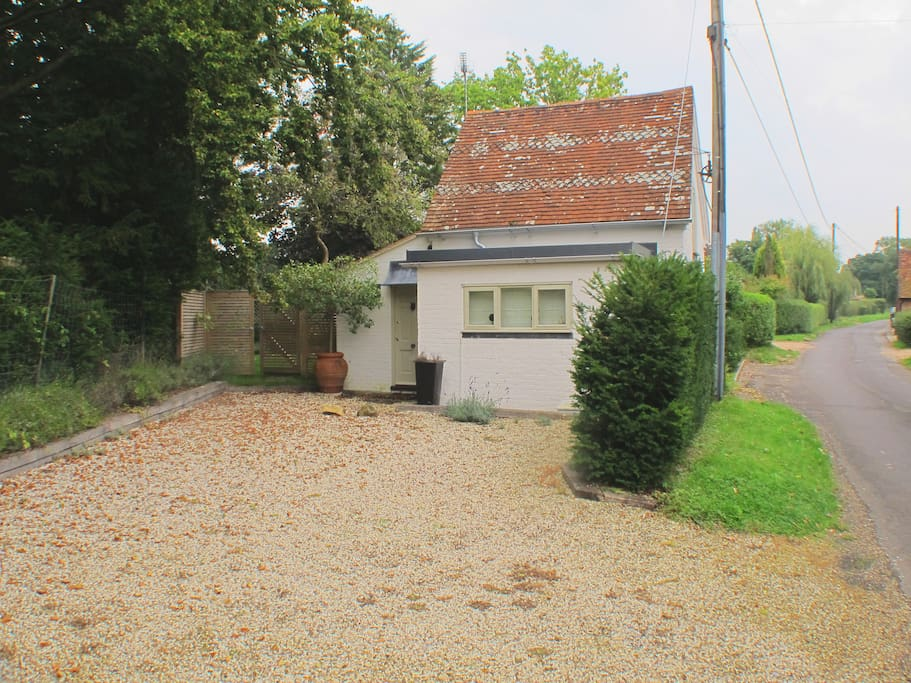 Self contained, detached, private drive, quiet country lane.