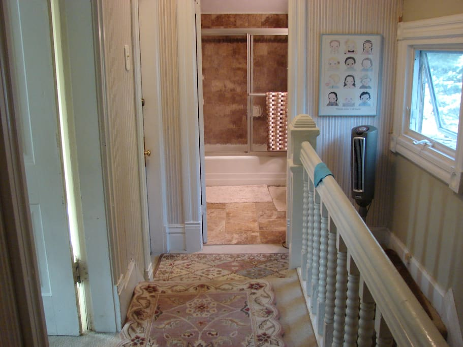Corridor to bedrooms and bathroom (with heated tiles)