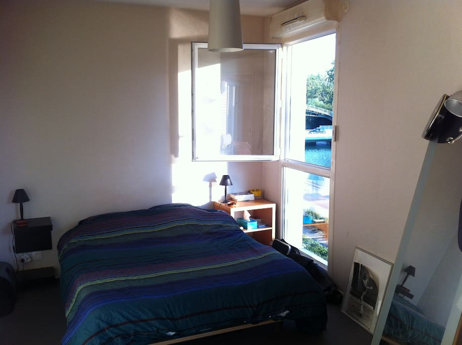 sur le canal au sud stade de france appartements louer saint denis le de france france. Black Bedroom Furniture Sets. Home Design Ideas