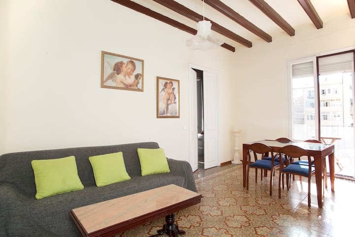 Very central, quiet single room - Barcelona
