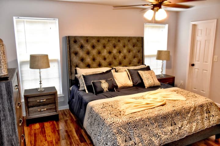 A sweet home Master Suite / Charlotte, NC (BR#1)