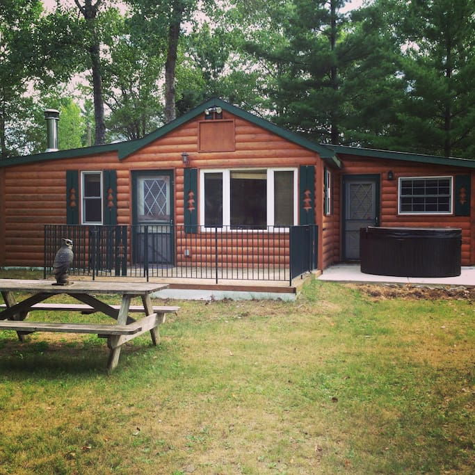 Front of cabin, with Hot Tub
