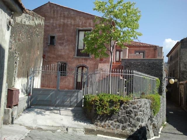Casa Vacanza a Linguaglossa centro