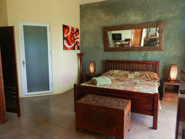 Beautiful Spacious Studio on Mahe - Beau Vallon - Pis