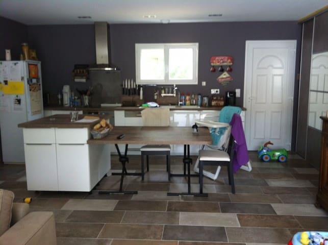 Maison neuve, ensoleillé, au calme - Mornas - Casa