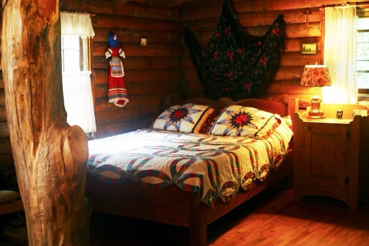 Relaxing Polish Jacuzzi room  - Spencer - Bed & Breakfast