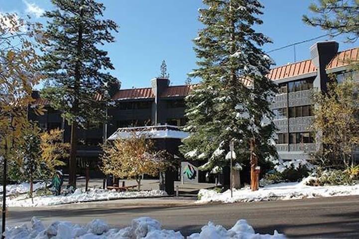 X-mas/South Lake Tahoe 1BR cndo next to heavenly