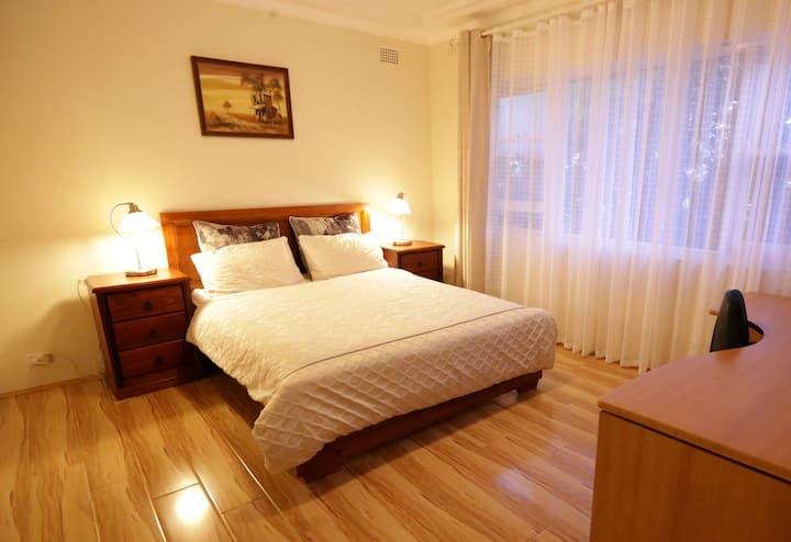 Convenient, Bright and Affordable 2 bedroom Unit