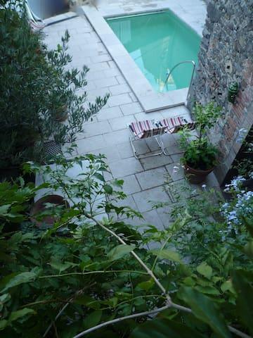 Can Bella,casa con picina en Catalogne,Espolla - Masarac