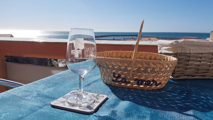 Appartement atypique au calme, vue sur la mer