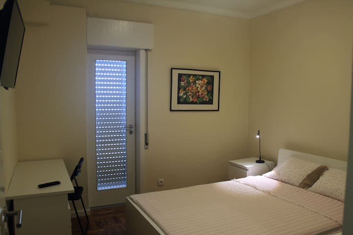 Room with Private Bathroom - Braga Centro - Braga - Flat
