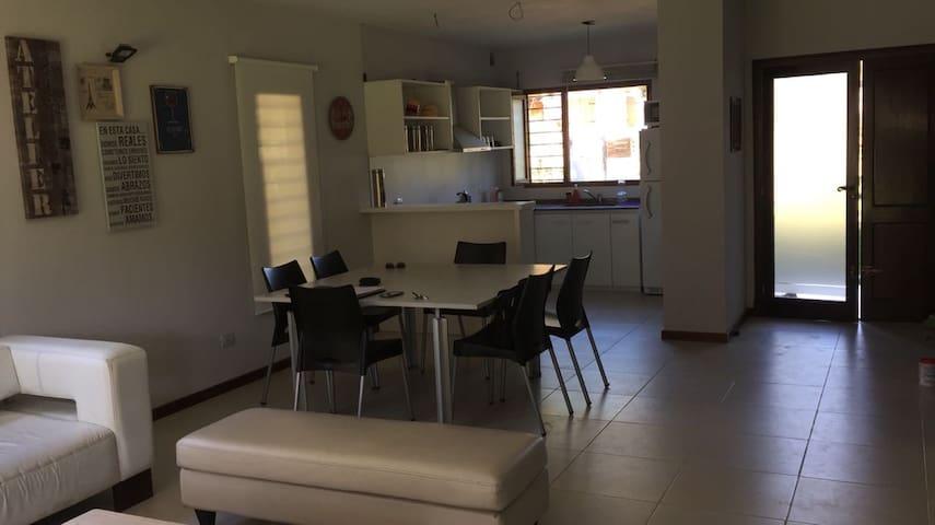 Casa Nueva 700 metros del mar y 300 mts de Carilo - Valeria del Mar - House
