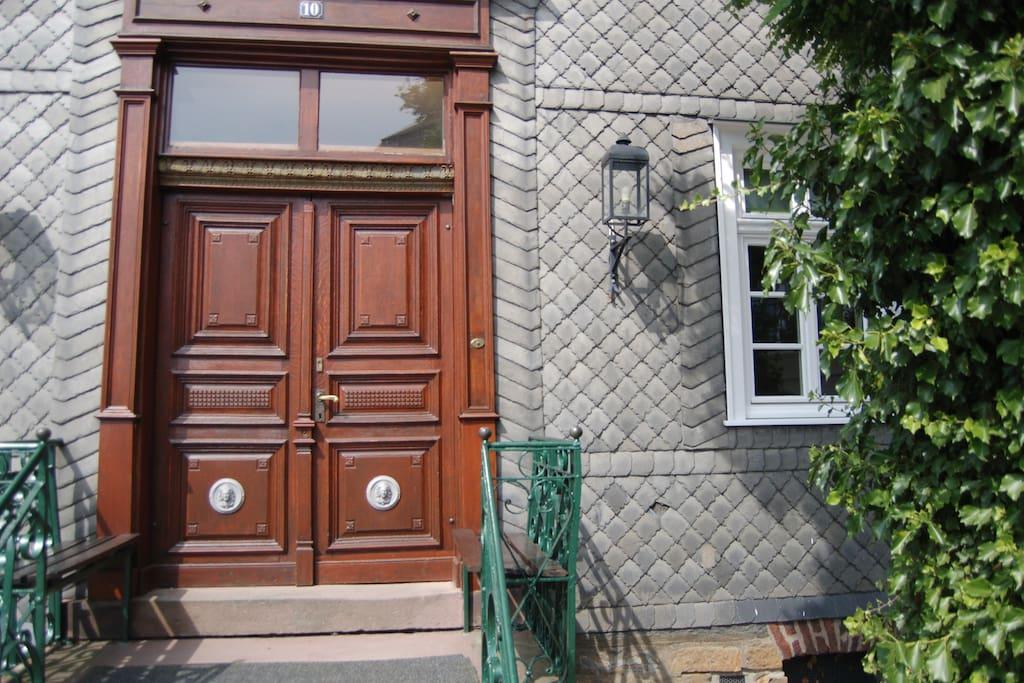 Klassieke entree tot uw appartement (woning 1)