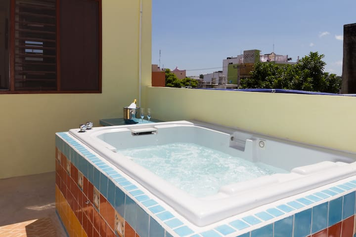 CANCUN GUEST HOUSE # 4 TERRACE TUB - Cancún