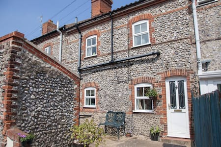 10 Chesterfield Cottages - Cromer - House