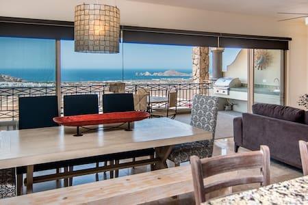 Construction special- Luxury Condo with Ocean View - Cabo San Lucas - Selveierleilighet