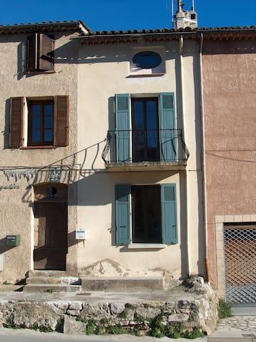 """Charming """"maison de village"""" - Trans-en-Provence - House"""