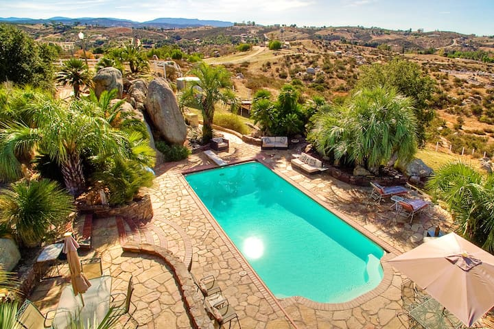 Wine country cottage with pool on 13 acres!