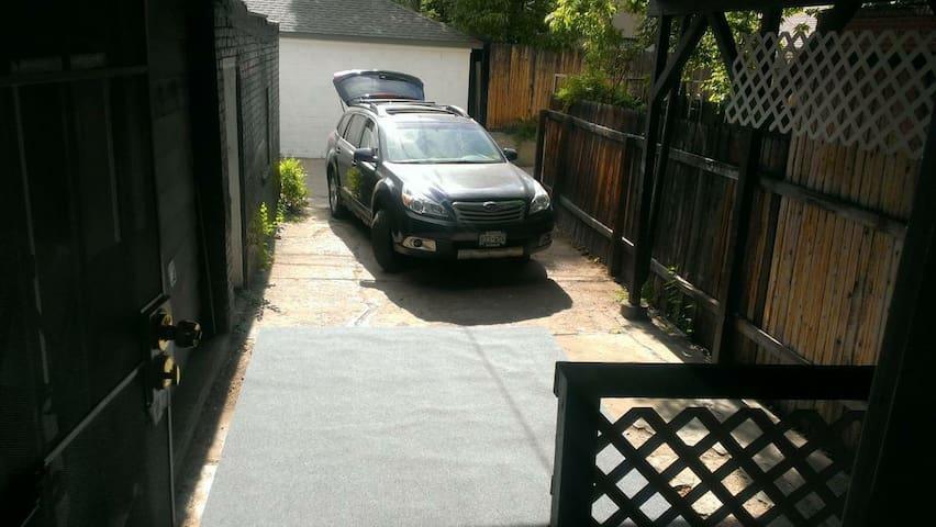 Private carport