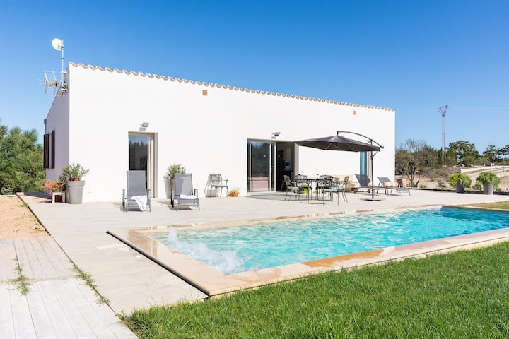 Lovely new Finca for 4 persons near Ariany y Marai de Salut