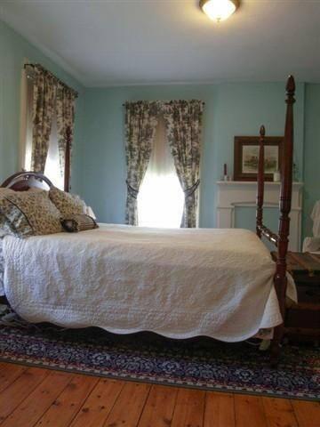Eddyville Wheel House (2 Bedrooms) - Kingston