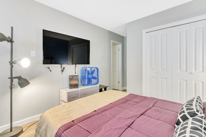 Historical Studio Apt In The Pearl with Awesome Wifi and Free Parking