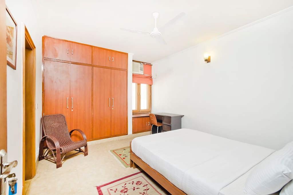 Room in the heart of South Delhi