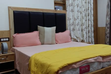 Superior Double Room 260Sq.ft are equipped with comfortable beds, modern toiletries, furniture & furnishings to offer you a comfortable and memorable stay at Glacier View Guest House.( 05 Rooms)