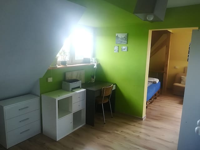 Słoneczne mieszkanie na Klecinie