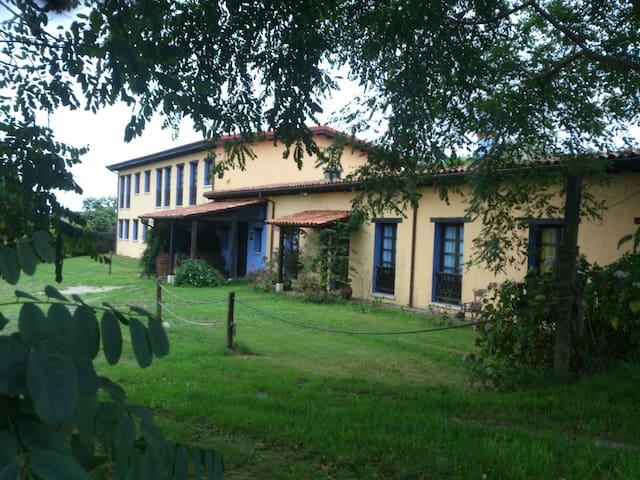 Habitación familiar para 4 en Cabo de Peñas.Luanco