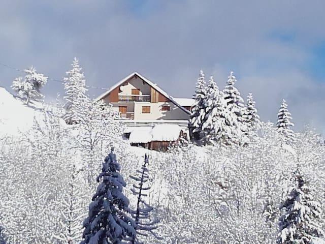 Studio le lagopède alpin au calme Sybelles