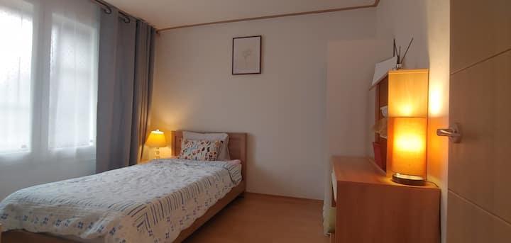 일원동에 19년 오픈한 2층집 호호하우스 (삼성병원 가까운 깨끗하고, 편안하고 조용한 집)