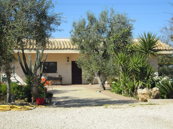 Villa Gialì - nella natura a due passi dal mare