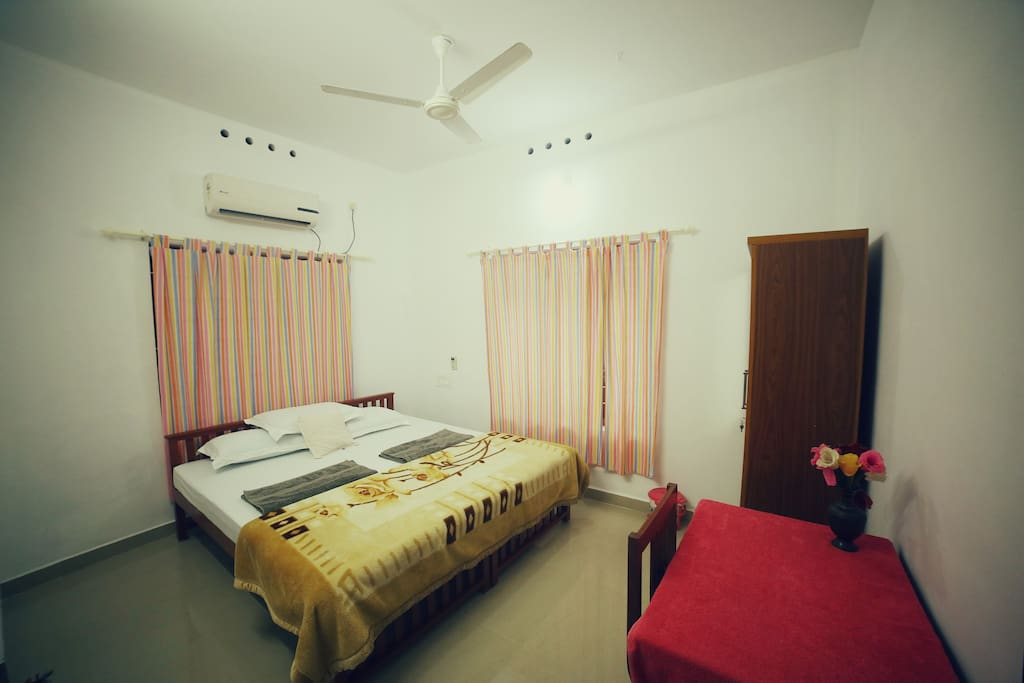 Le linda 39 s homestay private room in fort kochi chambres for Chambre kochi