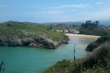 Seaside apartment near Poo de LLanes