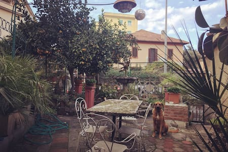 Stanza in villino con giardino - Rom - Haus