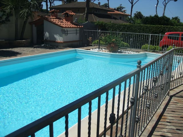 beautiful villa with pool by  sea - Lido dei Pini - Ev