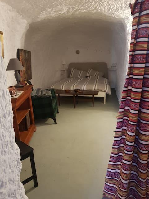 Delightful one bedroom in La Veranda Cave House near Orce (Granada)