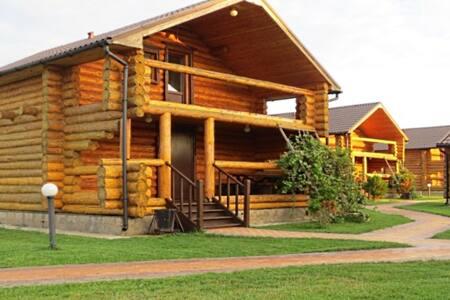 Двухэтажный коттедж - Rumah
