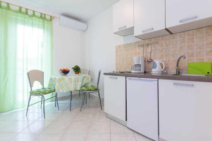 One bedroom apartment in Krk with sea view