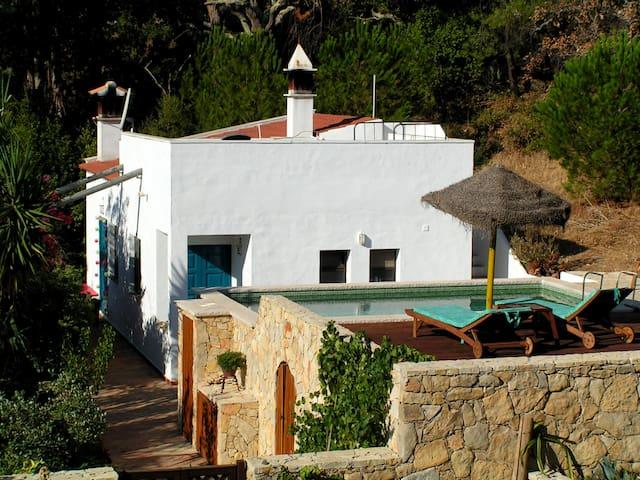 Ruhiges Ferienhaus mit Pool, Garten & toller Natur - Almargens - Talo