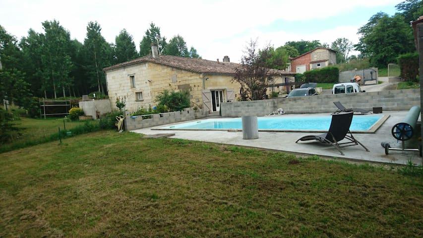 Meublé neuf piscine près Bordeaux - Arveyres - Leilighet